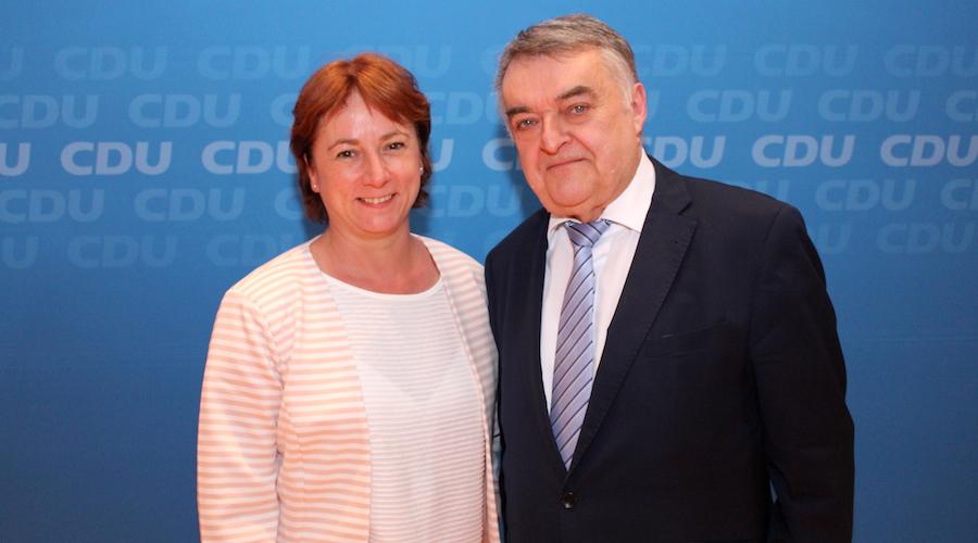 Bianca Winkelmann MdL und Innenminister Herbert Reul